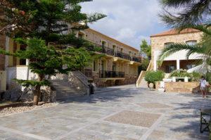 Grecian Castle Hotel の外観
