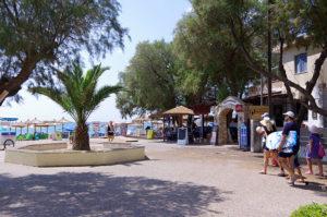 KOMIビーチ入り口の景観