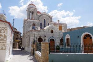 村内の教会の一つ