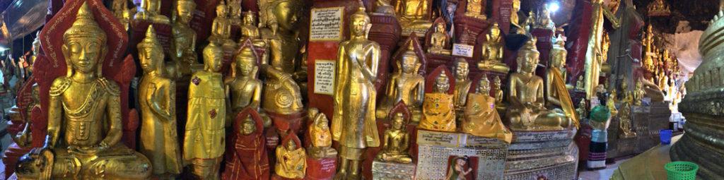 内部は夥しい数の仏像で埋め尽くされている。