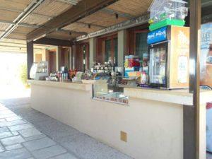 スーニオン岬のカフェ