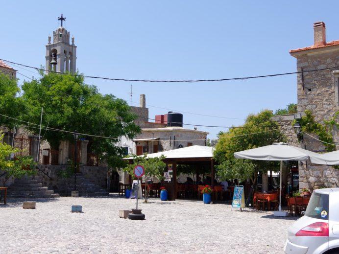 アヴゴニマの中央の広場