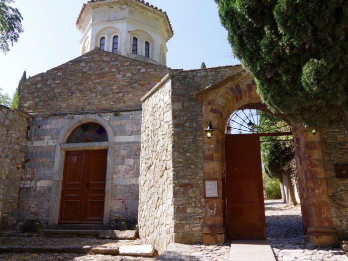 ネア・モニ修道院の入り口。